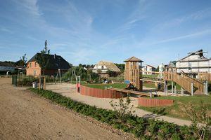 Bild von einem Spielplatz in einem Baugebiet