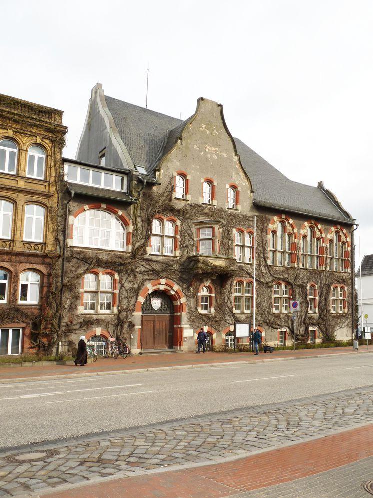 Südfassade historisches Landratsamt - Blick Richtung Osten
